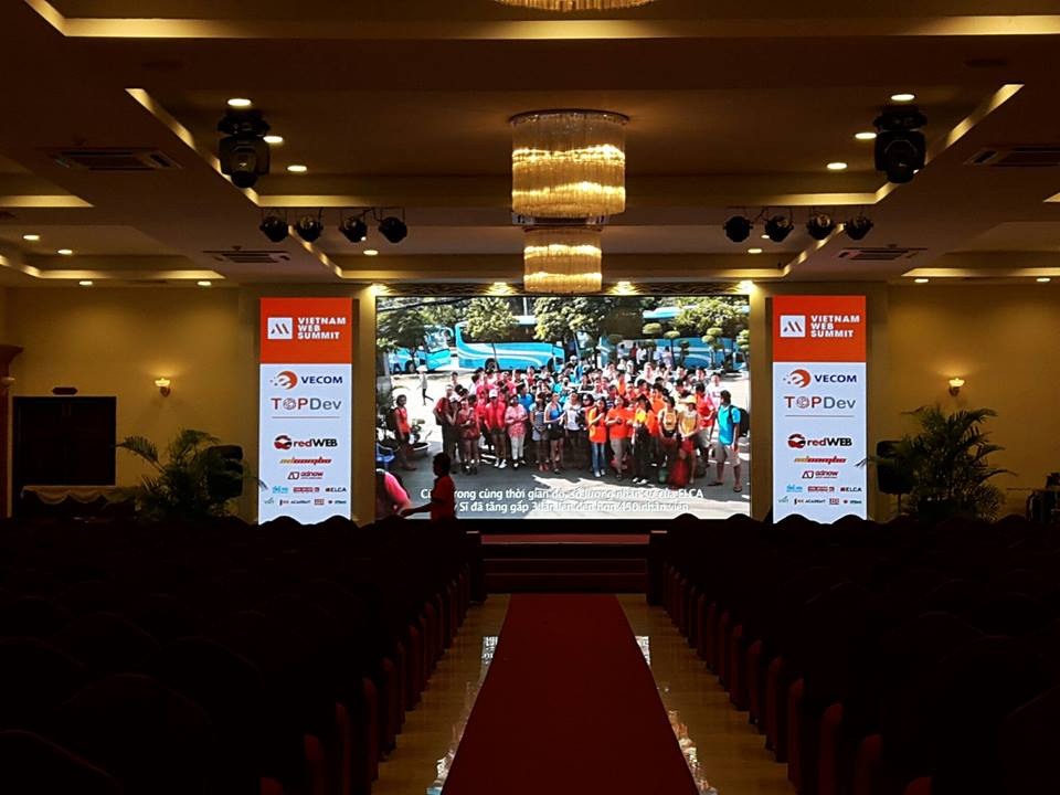màn hình led tại hội thảo web lớn nhất nươc